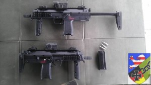 MP7 mit Magazin und Üb-Munition
